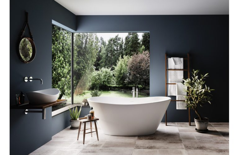 PAA-baths-Amore-interior-with-garden-WEB-Croped