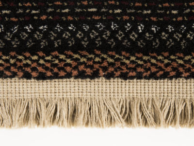 Nepal-carpet-dark-detail-fringe