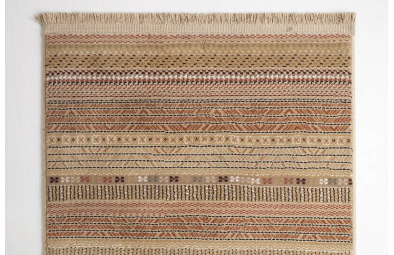 Nepal-carpet-light-67×245-detail