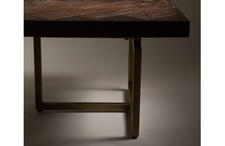 Class-coffee-table-detail-2