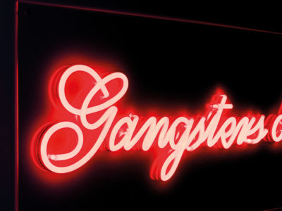 bold-monkey-gangsters-led-neon-wall-sign-3