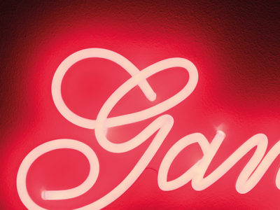 bold-monkey-gangsters-led-neon-wall-sign-5