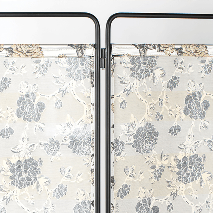 bold_monkey_kiss_the_froggy_room_divider_flowers_5